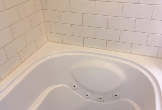 Toronto tub caulking repair